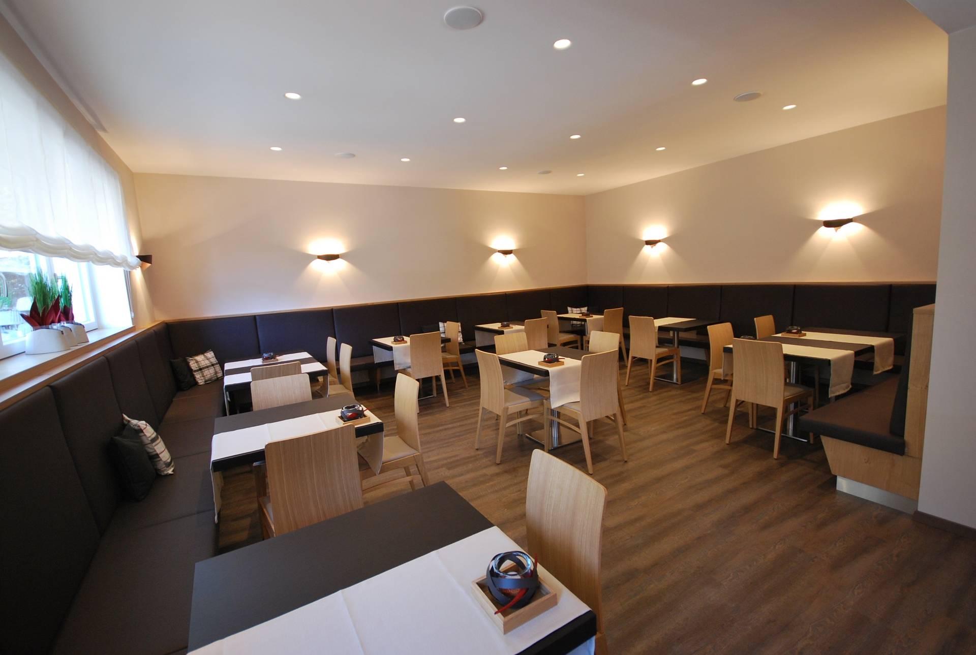 bar restaurant einrichtung selectiv interior design. Black Bedroom Furniture Sets. Home Design Ideas