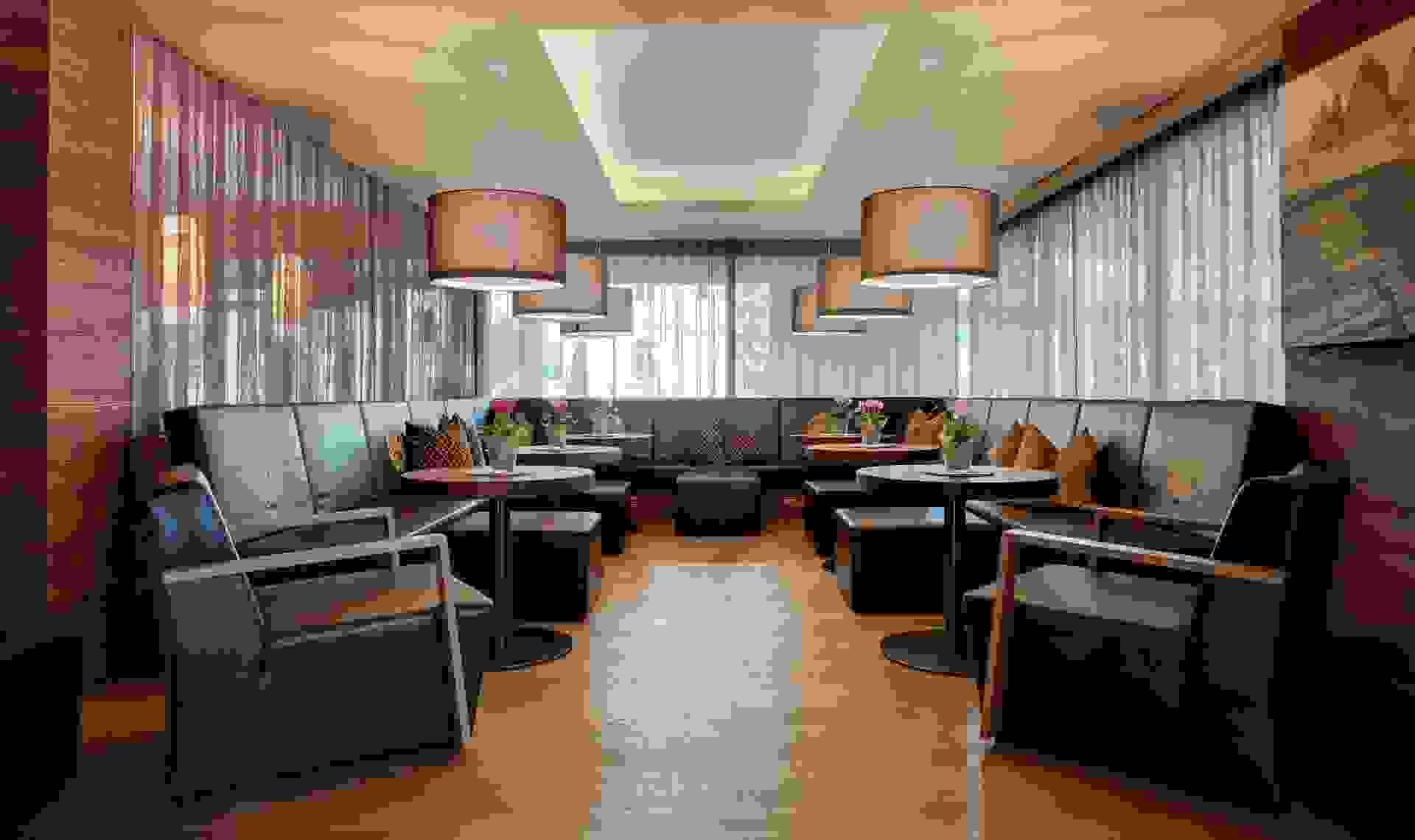 Arredamento di bar ristornati design degli interni selectiv for Arredamento per interni